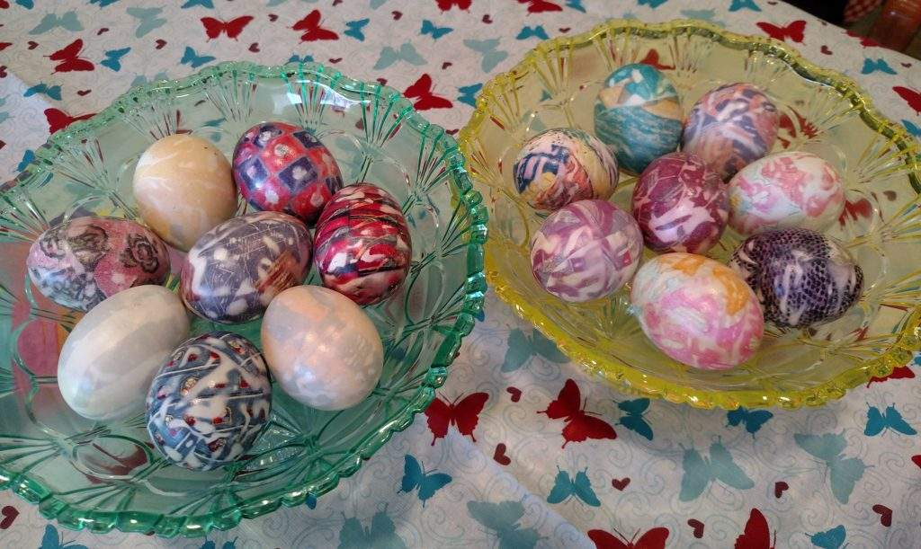 Residents made Easter Eggs with fabric.