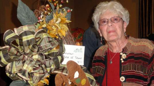 """Painter Delight Wreath"" by Mutz Maples was Best in Show in the amateur category."